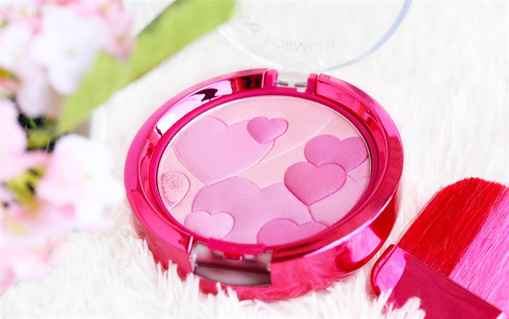 phan-ma-hong-physicians-formula-happy-booster-glow-mood-boosting-blush2